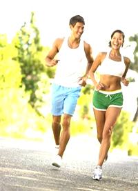 Бег многие бегают по утрам либо по