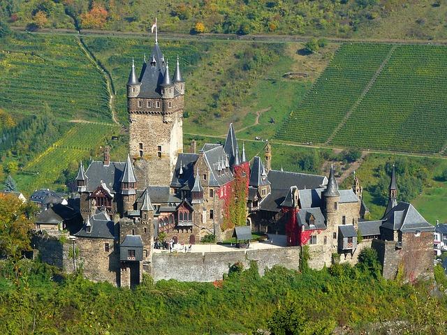 Райхсбургский замок (Reichsburg)